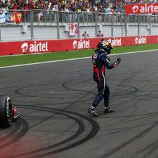 Emoción de Vettel tras ganar la carrera