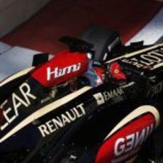 Kimi Räikkönen trabaja al volante de su E21