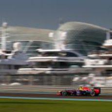 Sebastian Vettel rueda con el neumático medio en los Libres 1