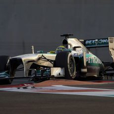 Nico Rosberg se sube por los pianos en Abu Dabi