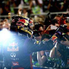 Sebastian Vettel celebra su victoria en Abu Dabi
