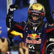 Inmensa alegría de Sebastian Vettel ante las cámaras