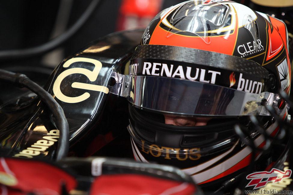 Kimi Räikkönen tuvo un fin de semana para olvidar en Abu Dabi