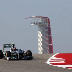 Lewis Hamilton, en los primeros metros del COTA