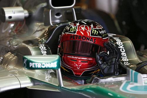 El 'ok' de Lewis Hamilton