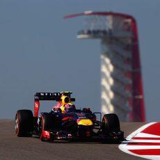 Mark Webber rueda con el compuesto duro