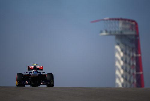 Daniel Ricciardo rueda con el compuesto duro