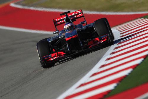 Jenson Button perderá tres posiciones en parrilla