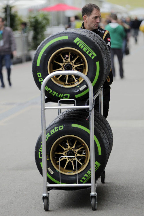 Compuesto intermedio Pirelli en Austin