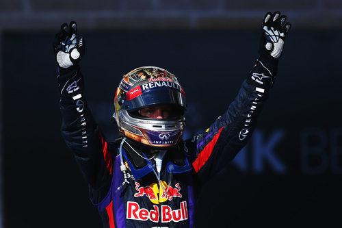 Puños al aire de Sebastian Vettel
