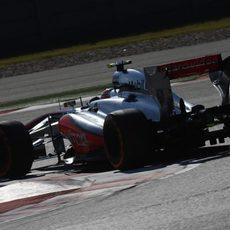 Sergio Pérez vuela hacia la séptima posición