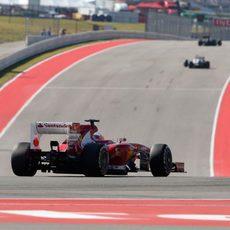 Fernando Alonso cruzó quinto la meta en Austin
