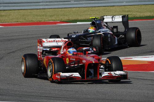 Curva en el COTA para Fernando Alonso