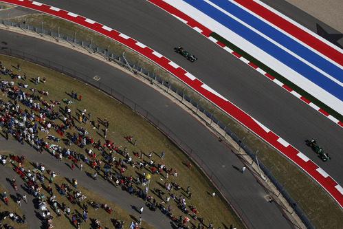Los dos Caterham ruedan juntos en el Circuito de las Américas