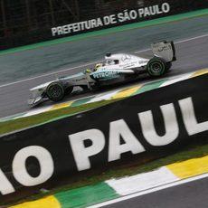 Nico Rosberg pilota con los intermedios en Sao Paulo