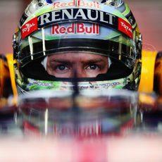 Mirada intensa de Sebastian Vettel