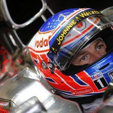 Mirada de Jenson Button en su MP4-28