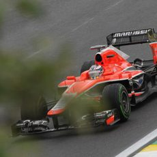 Jules Bianchi pilota su Marussia en los libres de Interlagos