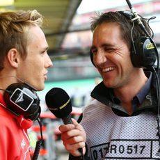 Max Chilton habla para la BBC en el último GP del año
