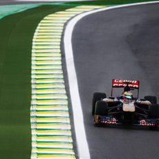Jean-Eric Vergne durante los entrenamientos libres del viernes en Interlagos