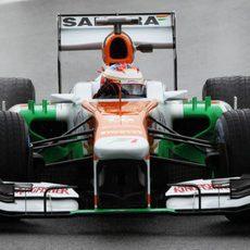 Paul di Resta rueda con los neumáticos de lluvia extrema