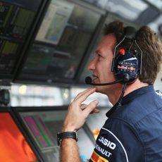 Christian Horner en el muro de Red Bull
