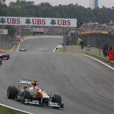 Adrian Sutil tuvo una estrategia de tres paradas