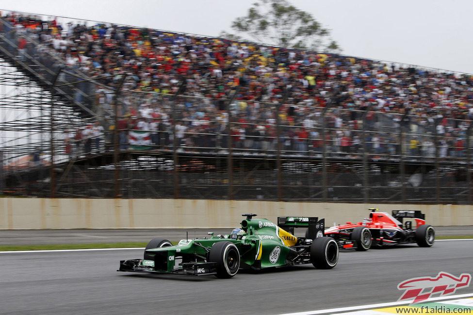 Charles Pic, por delante de un Marussia