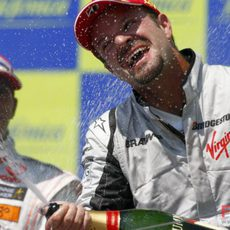 Barrichello con el champán
