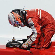 Raikkonen se baja del Ferrari