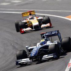 Rosberg pelea en los puntos