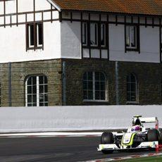 Barrichello acaba cuarto