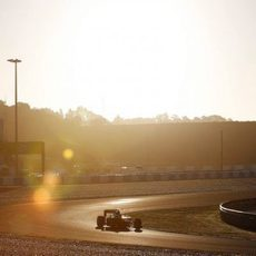 Robin Frijns rueda bajo el sol de Jerez