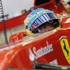 Fernando Alonso rueda en Sakhir