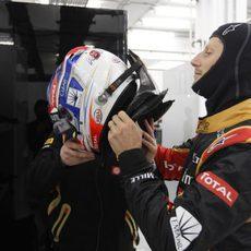 Romain Grosjean se prepara para salir