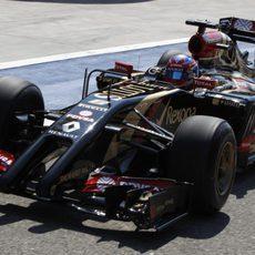 El Lotus de Romain Grosjean se estrena en Baréin