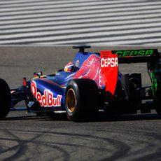 Parafina verde en el alerón trasero del coche de Daniil Kvyat