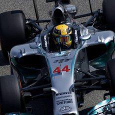 Nueva vuelta en Sakhir para Lewis Hamilton