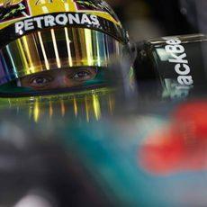 Mirada de Lewis Hamilton desde el W05