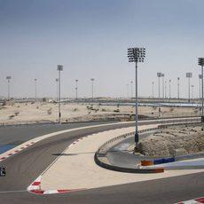 Curva en Baréin para Lewis Hamilton