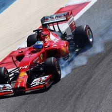 Pasada de frenada de Fernando Alonso