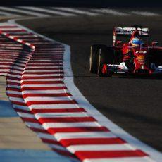 Problema en la caja de cambios del F14-T de Fernando Alonso