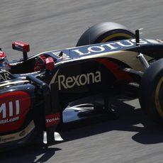 Romain Grosjean dentro de su E22