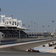 Romain Grosjean sigue rodando por Sakhir