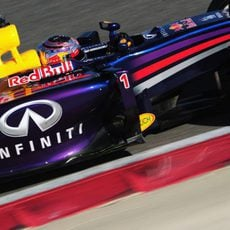 Sebastian Vettel maneja el RB10 a toda velocidad