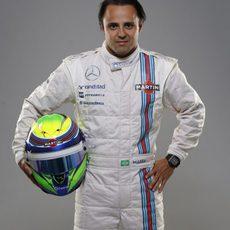 Felipe Massa posa con los nuevos colores de Martini