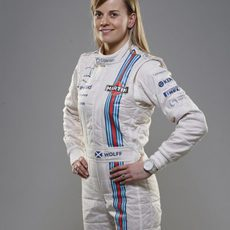 Susie Wolff posa ante la cámara con el mono de Williams Martini Racing