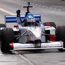 Un paseo en F1 para promocionar la carrera