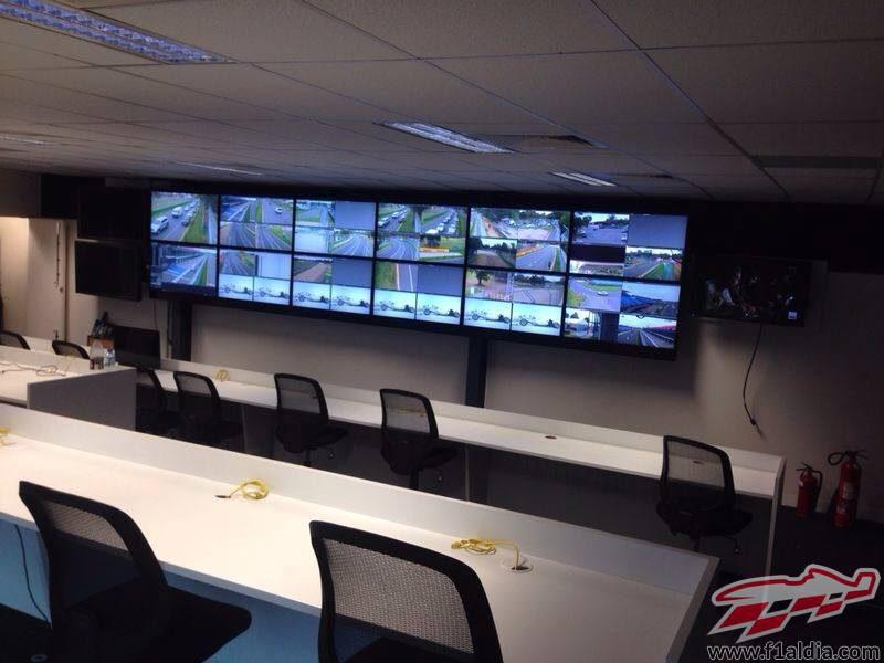 El centro de control de la FIA, instalado