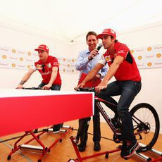 Fernando Alonso y Kimi Räikkönen, en un evento en Australia